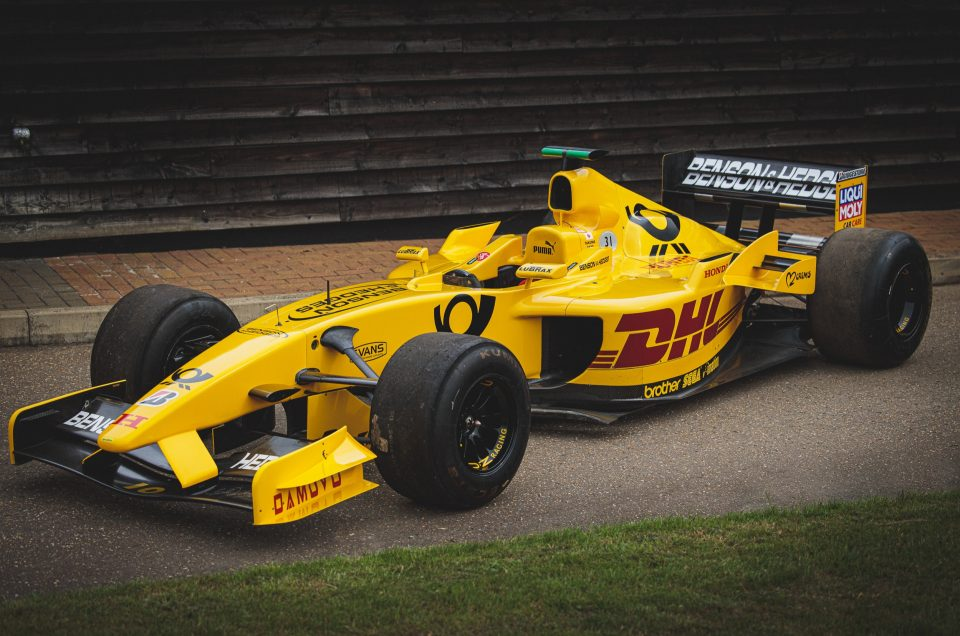 INCREDIBLY RARE AND USEABLE JORDAN F1 RACECAR SPEEDS TO AUCTION